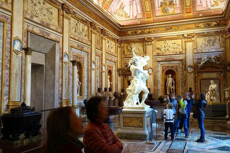 多くの芸術家のパトロンであったボルゲーゼ枢機卿の別荘がボルゲーゼ美術館として多くのコレクションを展示