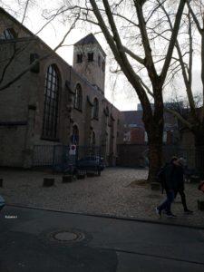 父親が埋葬されている、ケルンのSt,Peter教会