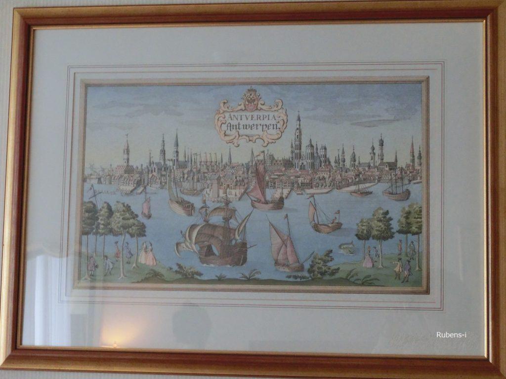 ホテルの部屋に飾られていた額絵から当時の様子が伺える