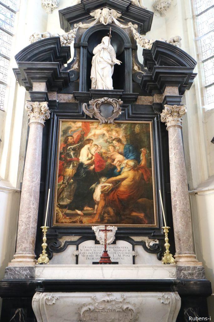 聖人に囲まれた聖母